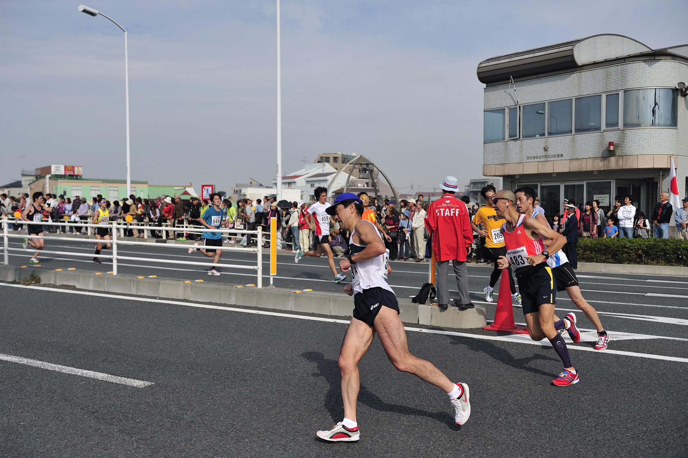 第6回湘南国際マラソン 江ノ島折り返し地点