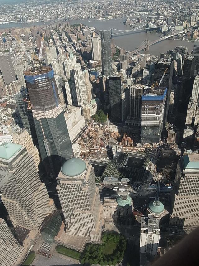 上空から眺めるWTC跡地