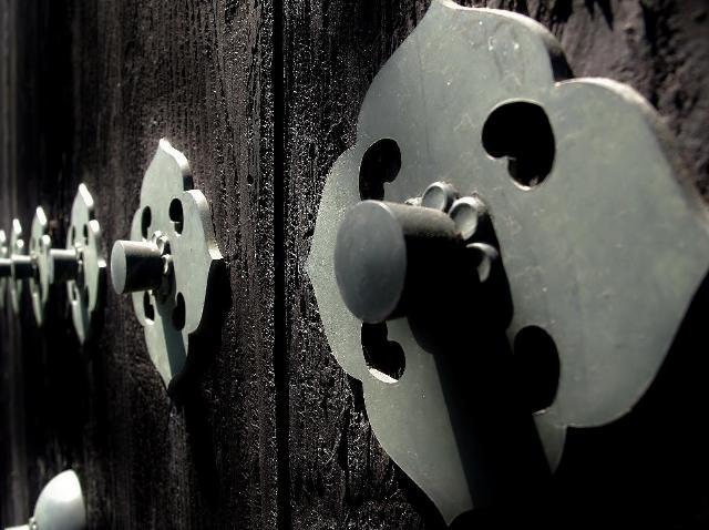 本覚寺の大扉