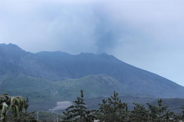 25日の桜島噴火後の桜島