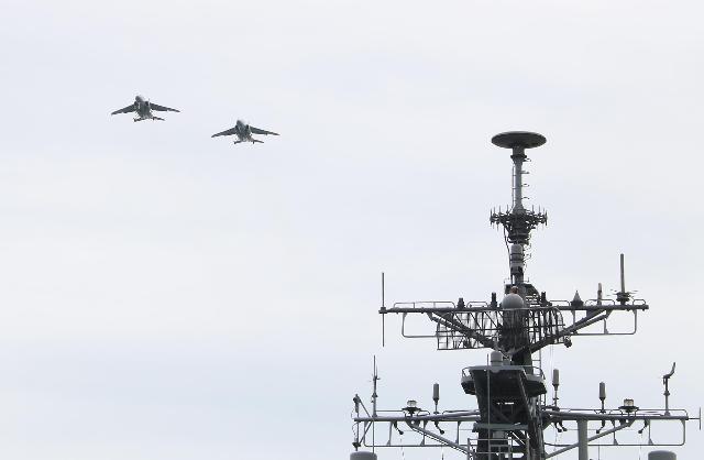 やまゆきとT-4 海と空の共演