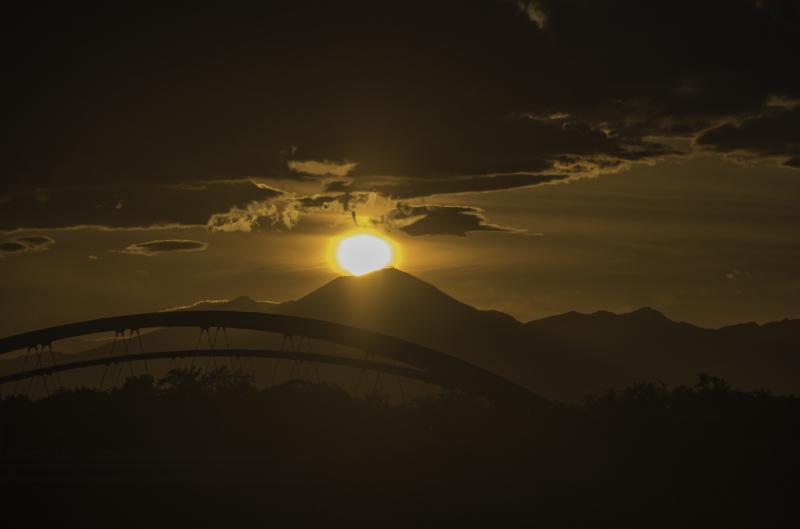 太陽沈む浅間山