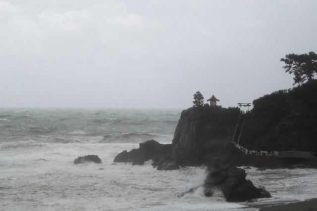 台風16号通過中!