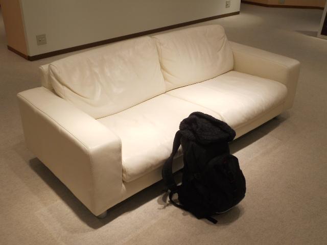椅子とかばん