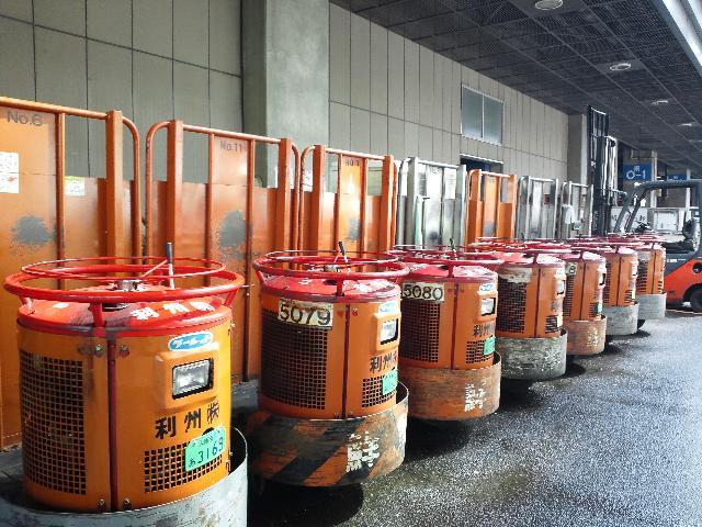 回転荷物リフトのターレット/大阪中央卸売市場