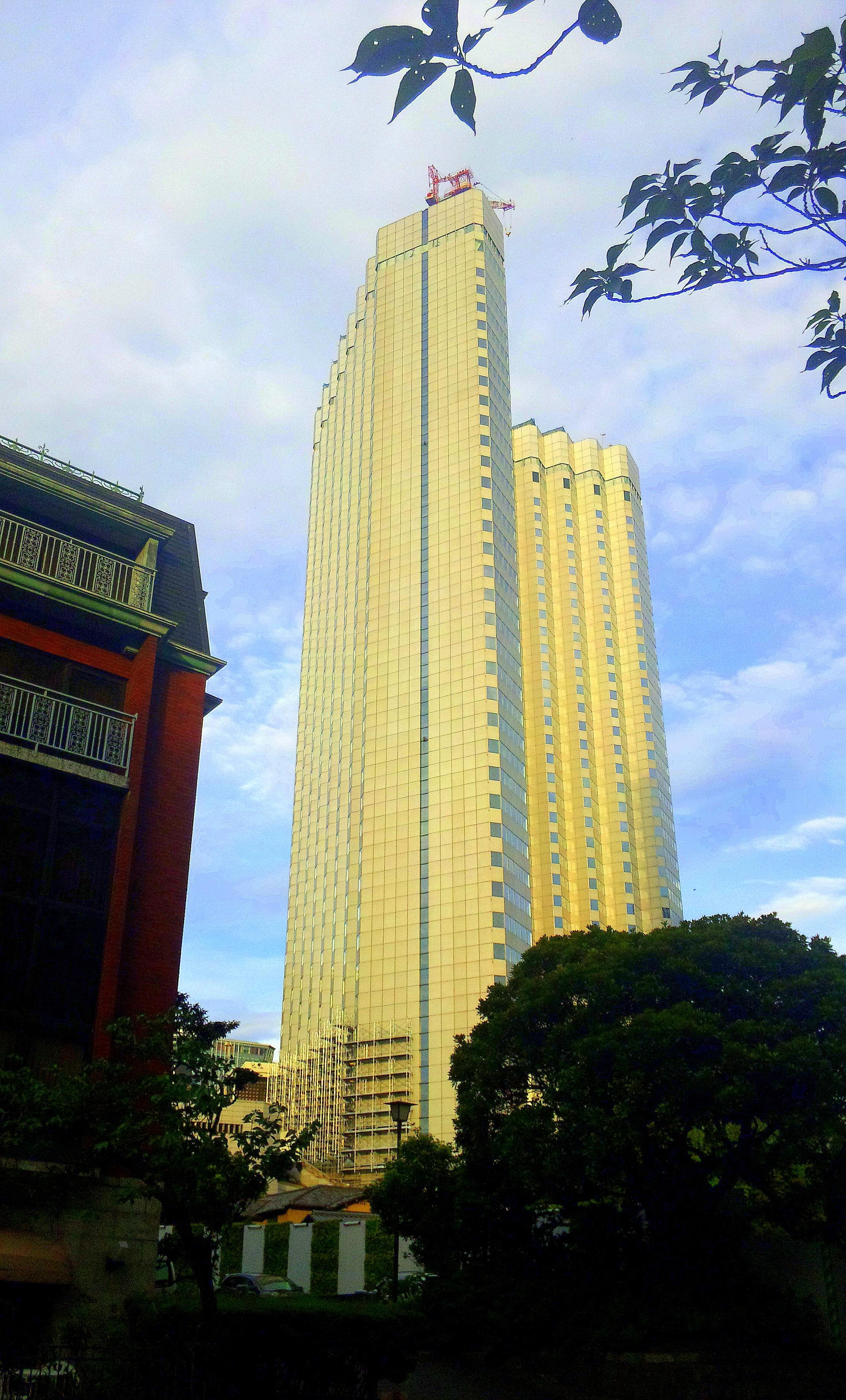 赤坂のホテルの解体始まる
