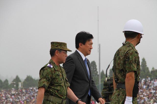 防衛大臣政務官視察 富士総合火力演習 陸上自衛隊