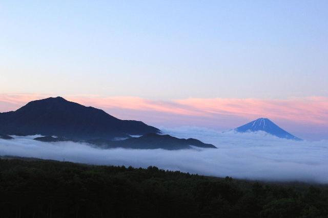 霊峰富士の朝明け